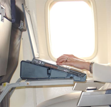 airline in-flight internet stand