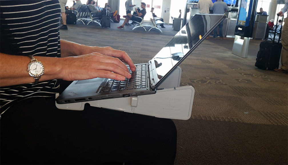 laptop stand airport